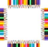 Fyrkant av kulöra blyertspennor som isoleras på vit bakgrund Royaltyfri Fotografi