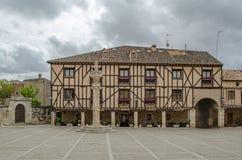 Fyrkant av Penaranda de Duero i landskap av Burgos, Spanien royaltyfria bilder