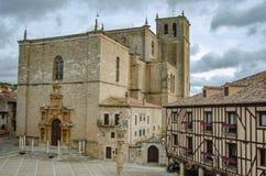 Fyrkant av Penaranda de Duero i landskap av Burgos, Spanien royaltyfri bild