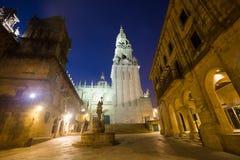 Fyrkant av Praterias och det domkyrkaKlocka tornet i Santiago de Com Royaltyfria Foton