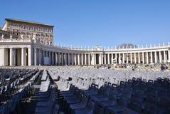 Fyrkant av Vaticanen framme av påsken Fotografering för Bildbyråer