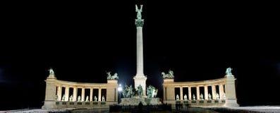 fyrkant för budapest hjälte s fotografering för bildbyråer