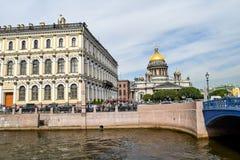 Fyrkant för St Isaacs i St Petersburg Royaltyfria Foton