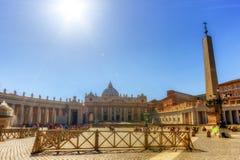 Fyrkant för St Peter ` s, Vatican City, Italien arkivfoton