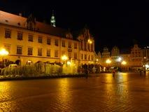 Fyrkant för Wroclaw gammal stadmarknad på natten Royaltyfria Bilder