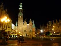 Fyrkant för Wroclaw gammal stadmarknad på natten Royaltyfri Fotografi