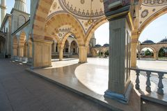 Fyrkant framme av moské`-hjärtan av Tjetjenien `, arkivbild