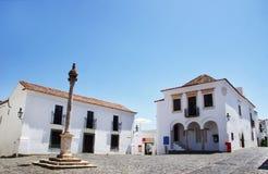 Fyrkant i den gamla byn, Monsaraz Arkivbilder