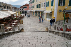 Fyrkant i Herceg-Novi en gammal stad Arkivbilder
