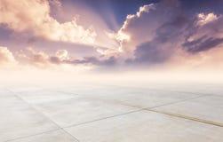 Fyrkant och himmel royaltyfria foton