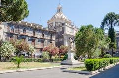 Fyrkanten av den Catania domkyrkan Royaltyfri Fotografi