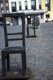 Fyrkanten av tomma stolar i Krakow Polen Royaltyfri Fotografi
