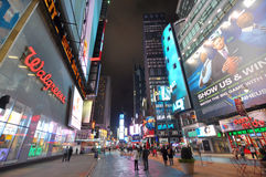 fyrkanten för natten för den broadway staden times den nya york Royaltyfri Foto