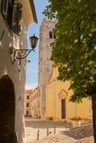 Fyrkanten i staden Motovun Arkivbilder