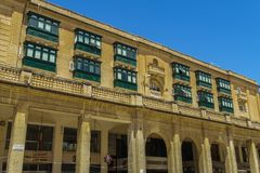 Fyrkantig byggnad för Valletta Malta frihet arkivbilder
