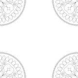 Fyrkantig färgläggningbokomslag- eller bakgrundsillustration med mandalaprydnaden Royaltyfri Foto