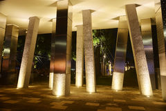 Fyrkantig kolonn och lett fläckljus Fotografering för Bildbyråer