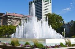 Fyrkantig springbrunn för tempel Royaltyfria Foton