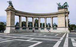 Fyrkantiga Budapest Ungern Europa hjältar royaltyfri bild