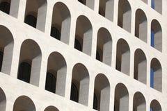 Fyrkantiga Colosseum i EUR-området i Rome, Lazio, Italien Royaltyfri Bild