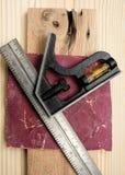 fyrkantigt trä för sandpapper Royaltyfria Bilder
