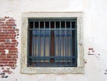 fyrkantigt vitt fönster arkivfoton
