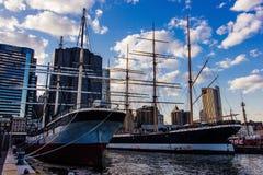 Fyrskepp Ambrose Lower Manhattan på pir 16, New York Förenta staterna Arkivfoton