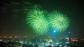 Fyrverkeri på den 60th dagen för Hanoi befrielse på Hoan Kiem sjön, Hanoi, Vietnam Fotografering för Bildbyråer