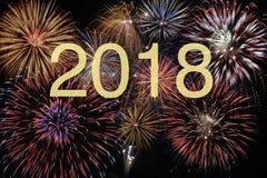 Fyrverkeri på helgdagsaftonen för nya år och silvester 2018 arkivfoton