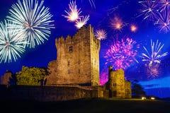 Fyrverkerier över Ross Castle Royaltyfria Foton