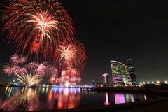 Fyrverkerier för DSF Dubai Royaltyfria Bilder