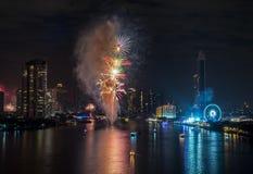 Fyrverkerier för nytt år i Bangkok, Thailand Royaltyfria Foton