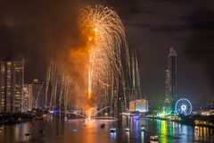Fyrverkerier för nytt år i Bangkok, Thailand Arkivbilder