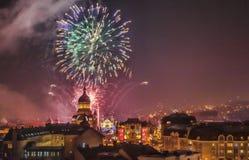 Fyrverkerier i Cluj Napoca Arkivfoton