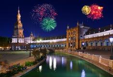 Fyrverkerier i Sevilla Spain Arkivfoton