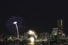 Fyrverkerier i Yokohama portfestival på Japan Arkivbilder