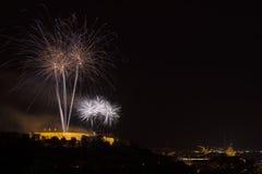 Fyrverkerier Ignis Brunensis på den Spilberk slotten Royaltyfri Fotografi