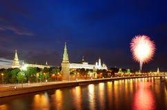 12 2011 fyrverkerier juni kremlin moscow över russia Arkivbilder