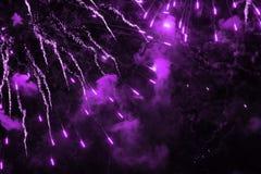 Fyrverkerier mång--färgad ilsken blick arkivfoton
