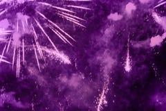 Fyrverkerier mång--färgad ilsken blick royaltyfri foto