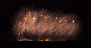 Fyrverkerier på den Carcassonne festivalen av 14 juli 2012 Arkivbild