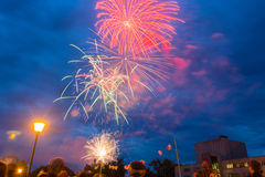 Fyrverkerier på festmåltiddagen av staden i Kohma Royaltyfri Foto