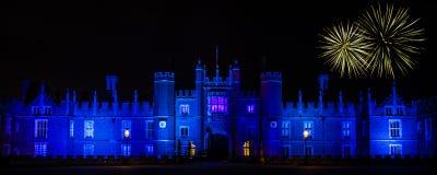 Fyrverkerier på Hampton Court Palace Arkivfoton