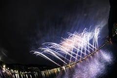 Fyrverkerier på Lugano sjön Arkivfoto