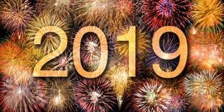 Fyrverkerier på Silvester och dagen 2019 för ` s för nytt år royaltyfri bild
