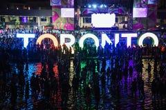Fyrverkerier tänder upp toronto himmel, Pan Am Games bokslutceremonier Arkivbilder