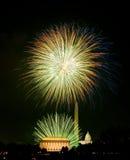 Fyrverkerier över Washington DC på Juli 4th Arkivbild