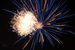 Fyrverkeriexplosion Fotografering för Bildbyråer