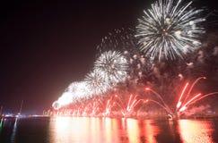 Fyrverkerishow Abu Dhabi Royaltyfri Foto