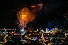 Fyrverkeritryckvåg på 1st av januari beröm i Chiang Mai Thail Arkivfoton